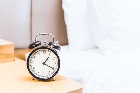 reloj cama.jpg